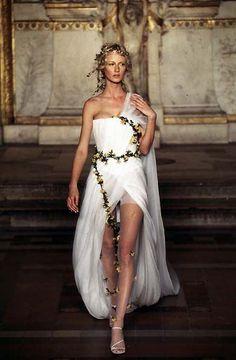 alexander mcqueen couture 2014 | Alexander McQueen for Givenchy Haute Couture SS 1997