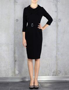 sukienka czarna, z kołnierzem i paskiem, wąska, komfortowa, na przyjęcie, imprezę