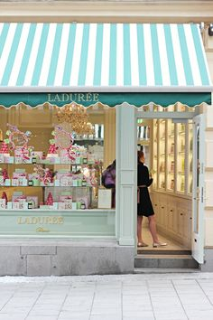 Holiday list Paris France: Laduree patisserie for macarons, eclairs, croissants and cakes (mw)