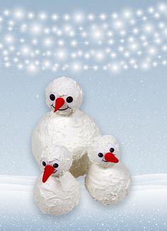Een familie van sneeuwpoppen