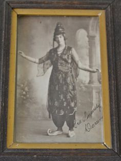 Antique Photographs, With Frames and 1 Handkerchief With Frame, Framed Photos, Vintage Photos,Vintage Costume Vintage Books, Vintage Photos, Vintage Antiques, Vintage Circus, Vintage Costumes, Gifts For Mom, Frames, Photographs, Christmas Gifts