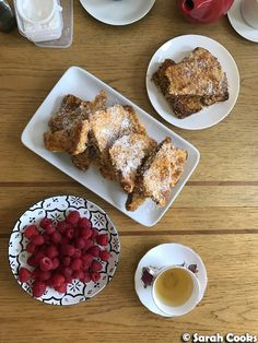Cornflake-Crusted French Toast I have no idea why, but lately I've been obsessed with the idea of cooking brunch. Perhaps it's the pro. Brunch Party, French Toast, Party Ideas, Cooking, Breakfast, Food, Kitchen, Morning Coffee, Essen