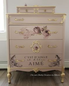 How to Use Patina Paint - Dixie Belle Paint Company Funky Painted Furniture, Decoupage Furniture, Chalk Paint Furniture, Refurbished Furniture, Repurposed Furniture, Shabby Chic Furniture, Painted Dressers, Vintage Dressers, Plywood Furniture