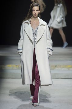 Topshop Unique Spring 2018 Ready-to-Wear  Fashion Show Collection