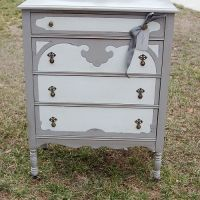 beautiful dresser redo. I would love to do this to the girls furniture! Just need more time in my day!