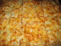 Buffalo Chicken Pizza - I made this for my nephew, he didn't like it because of the celery. I loved it, although I think I would saute the celery just a minute or two to take some of the crispiness out of it.