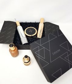 Cohorted Beauty Box May 2020 – Unboxing and Product Reviews | Bonds of Beauty Shimmer Body Oil, Show Beauty, Perfume Making, Beauty Box Subscriptions, Beauty Magazine, Wet Hair, Dry Shampoo, Jojoba Oil, Fragrance