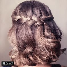 If you want a show-stopper hairstyle, waterfall braid hairstyle is the one for you. Waterfall braid hairstyle is truly a statement styles. This style is the perfect romantic hairstyle for any occasion. Prom Hairstyles For Short Hair, Braids For Short Hair, Homecoming Hairstyles, Pretty Hairstyles, Easy Hairstyles, Wedding Hairstyles, Curly Short, Romantic Hairstyles, Summer Hairstyles
