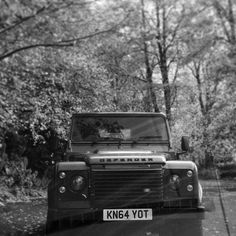 My little Landy in the autumn leaves Defender 90, Autumn Leaves, Cars, Fall Leaves, Autos, Autumn Leaf Color, Car, Automobile, Trucks
