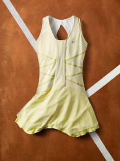 Maria Line 9 dress in pale yellow worn by Maria Sharapova in the 2011 French Open