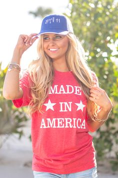 Just in time for the 4th of July, this brand new tee will let you show off your American pride! Featuring white vinyl lettering and two stars, this shirt is perfect for all of your backyard events and Fourth Of July Shirts, 4th Of July Outfits, Patriotic Shirts, Summer Outfits, 4th Of July Party, July 4th, July Crafts, Vinyl Shirts, Pink Lily