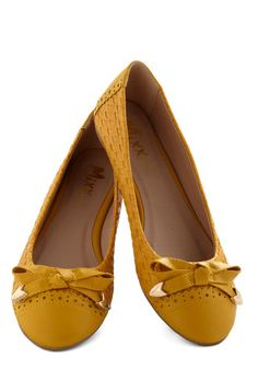 Touch of Honey Flat - Flat, Faux Leather, Yellow, Solid, Bows, Woven, Good, Casual