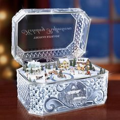 The Thomas Kinkade Crystal Music Box - Hammacher Schlemmer