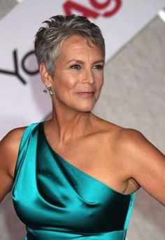 Lee Curtis Jamie Lee Curtis Gateway she even more gorgeous than when she was younger.Jamie Lee Curtis Gateway she even more gorgeous than when she was younger. 50 Most Beautiful Women, Beautiful People, Blonde Balayage Highlights, Ageless Beauty, Aging Gracefully, Celebs, Celebrities, Older Women, Short Hair Styles