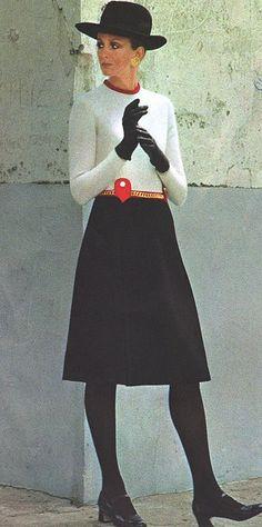 Model by:Pierre Balmain.French Vogue,November 1970.