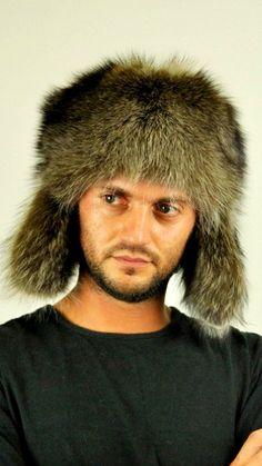 Cappello in pelliccia di vero procione con paraorecchie  www.amifur.it