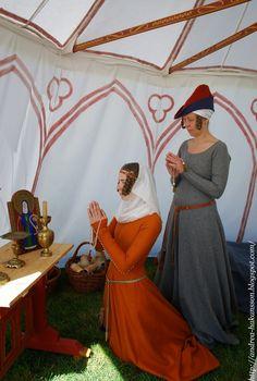 Recreating History: Ekenäs Riddarspel 2015 Medieval Costume, Medieval Dress, Medieval Fashion, Medieval Clothing, Historical Hairstyles, Medieval Hairstyles, Historical Costume, Historical Clothing, Queen Dress
