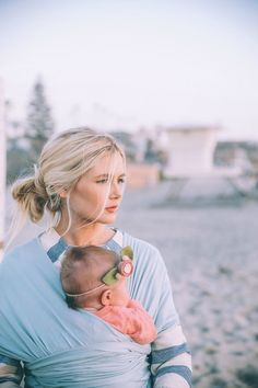 Barefoot Blonde Amber wearing Solly Baby at sunset Foto Fun, Amber Fillerup, Little Presents, Barefoot Blonde, Future Mom, Cute Family, Baby Wraps, Mother And Child, Mom And Baby