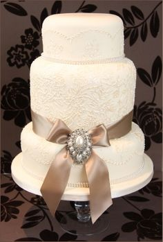 Image detail for -Vintage Lace, Pearl and Brooch Wedding Cake