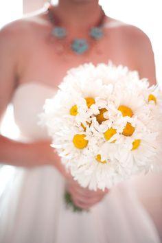 Precioso bouquet de margaritas. #boda #ramodenovia #margaritas