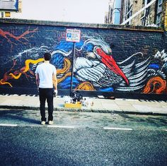 #tb to when @mateusbailon in the process of one his fine pieces of streetart . #london #travel #travelling #travellers #beautiful #photography #streetart #art #sunny #bird #travelgram #healthyliving #healthylife #adventure #live #love #laugh #theworldisyours #free #smile #enjoy #behappy #instatravel #wildlife by the_world_in_your_hands