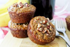 Breakfast just got a lot more delicious with moist and healthy paleo banana nut muffins, made with coconut flour! Double Chocolate Zucchini Muffins, Paleo Banana Muffins, Paleo Dessert, Healthy Desserts, Dessert Recipes, Banana Yoghurt Bread, Best Gluten Free Recipes, How To Eat Paleo, Coconut Flour