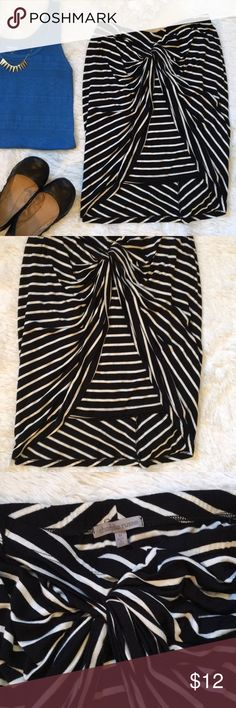 Striped skirt Charlotte Russe striped skirt. Worn in excellent condition!   🚫TRADES 🚫LOWBALL OFFERS  💸PLEASE REMEMBER POSH TAKES 20% ⭐️ BUNDLE TO SAVE!! Charlotte Russe Skirts