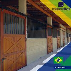 Mais um cliente satisfeito, Haras Luar em Salto-SP, Frente de Baia em Madeira Maciça.