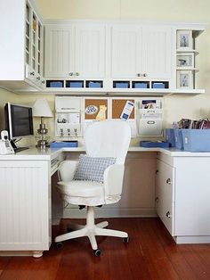 Smart Work Space Layout  Carve out a lot of work space -- even in a tight space -- with a U-shape desk setup, which provides plenty of space to spread out papers and files while you're working