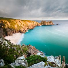Porthcurno, Cornwall | England (by Jason Theaker)                                                                                                                                                                                      Source:                                                                           Flickr / photoimage