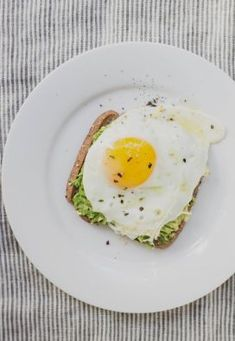 Need help boosting your energy? Follow these simple and natural tips to get more energy! #energyboost #healthyfood #eathealthy #fitness #exercise #fitnesstips #getfit #findenergy #fitlife #momwifefitnesslife #lean #loseweight #coffee #caffeine #eggs #prot
