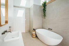 Kyal and Kara Master Bathroom Coastal Bathrooms, Grey Bathrooms, Modern Bathroom, Peach Bathroom, Luxury Bathrooms, Bad Inspiration, Bathroom Inspiration, Bathroom Layout, Bathroom Interior