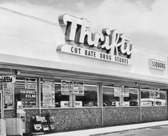 Thrifty's Drug Store, once the biggest drugstore chain in Southern California. and Roscoe Blvd. in the San Fernando Valley shown) California Homes, Southern California, Vintage California, Oxnard California, Topanga Canyon, San Fernando Valley, Valley Girls, Old Signs, Moisturizer For Dry Skin