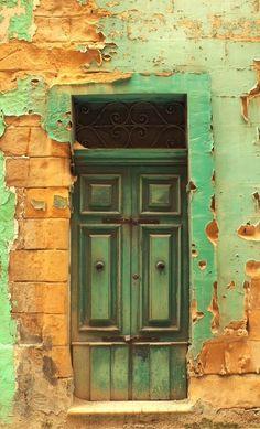 (via Birgu, Malta· | DOORS BEAUTIFUL DOORS | Pinterest)