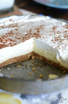 French vanilla silk pie recipe desserts with graham cracker crumbs, butter, Pie Recipes, Snack Recipes, Dessert Recipes, Snacks, Recipies, Dessert Ideas, Fall Recipes, Easy Desserts, Delicious Desserts