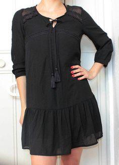 Mode Femme Petite, Femmes Petite, Petite Robe Noire, Tissus Transparents,  Robes Noires 6653f3d56ed