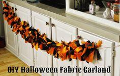 Pretty fabric garland for Halloween. #DIY #Halloween #garland