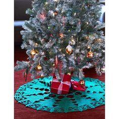 Christmas Tree Tree Skirt free crochet pattern - Free Crochet Tree Skirt Patterns - The Lavender Chair