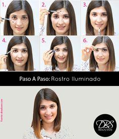 Si tienes un rostro apagado debido al cansancio o simplemente quieres resaltar más tus facciones, acá te enseñamos como debes aplicar correctamente tu iluminador.  1- Aplica el iluminador en la zona de las ojeras.2- Crea un triángulo en el centro de la frente.3-Aplica también en el tabique de la nariz.4- y finalmente en el arco superior inferior de las cejas.5- Difumina el iluminador.6- Finaliza con una máscara de pestañas y un poco de colorete.¡Y listo! ya tienes un rostro lleno de luz y vida.