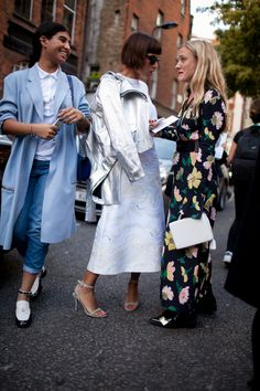 See what they are wearing at #LFW. [Photo: Kuba Dabrowski]