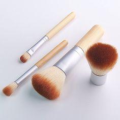Lychee 4pcs Pinceaux de Maquillage Kit Cosmétique Maquillage Portable Set de Brush Souples Belle avec petit Sac Housse blanc