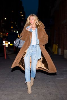 Love Her Outfit: Star Style to Steal - Women Teddy Coat - Ideas of Women Teddy - Elsa Hosk in a denim shirt jeans booties and teddy bear coat click through for more winter outfit ideas Fashion Week, Star Fashion, Look Fashion, Fashion Outfits, Street Fashion, Fashion Bloggers, Fall Fashion, Fashion Beauty, Fashion Trends