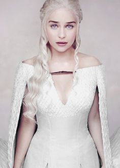 lannisten:  Emilia Clarke as Daenerys Targaryen for Entertainment Weekly (x)