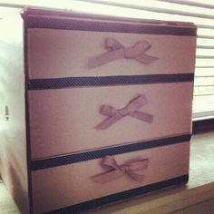 @becka_boodle's :) @Glossybox Brasil drawers :) even used glossy box ribbon for the bows!