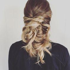 A lose romantic bridal updo. Utah wedding hair. Wedding hair ideas. Bride hair ideas. Wedding day.  #lexilockshair