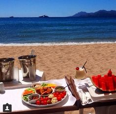 Rico desayuno en la playa