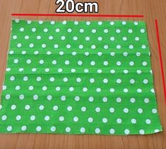 Make a 5 minute face mask with fabric You are in the right place about face mask peel off Here we offer you the most beautiful pictures about the face mask you are looking for. When you examine the Make a 5 minute face mask with fabric part of the[. Small Sewing Projects, Sewing Projects For Beginners, Sewing Hacks, Sewing Tutorials, Sewing Crafts, Sewing Tips, Dress Tutorials, Easy Face Masks, Diy Face Mask