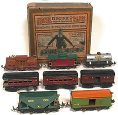 Popular Toys in the Vintage Toys, Vintage Stuff, Hobby Trains, Popular Toys, Electric Train, Store Windows, Train Car, Tin Toys, Toy Boxes