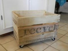 recycle bin from pallets