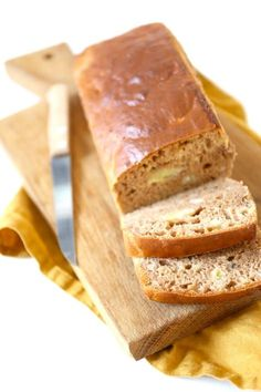 Speculaas bananenbrood - een keer proberen! Healthy Cake, Healthy Baking, Food Porn, Good Food, Yummy Food, Baked Banana, Breakfast Cake, Lunch Snacks, No Bake Desserts